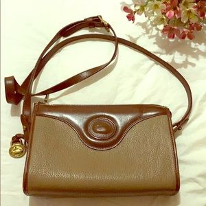 Dooney & Bourke all leather, zip top crossbody
